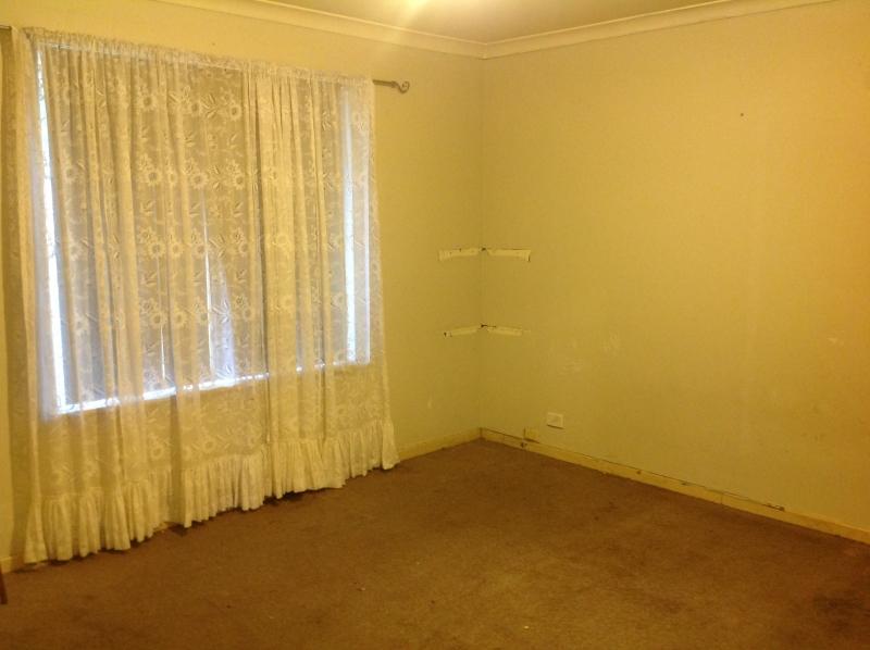 Master-bedroom-before-(2)-compressor