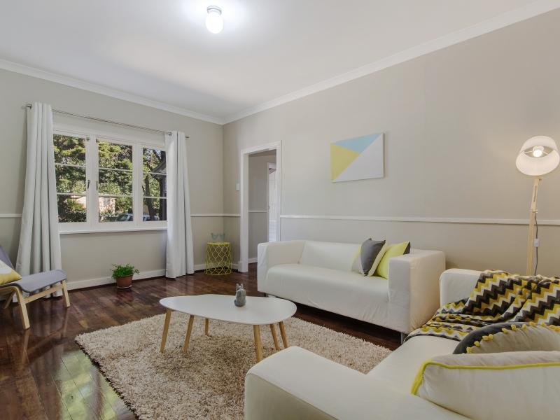 1 Lounge room