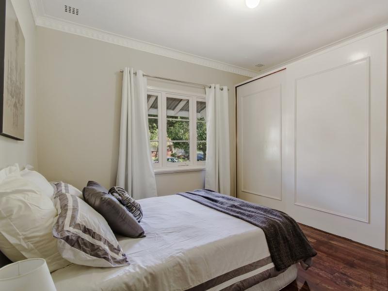 6 Bed 1 angle 2
