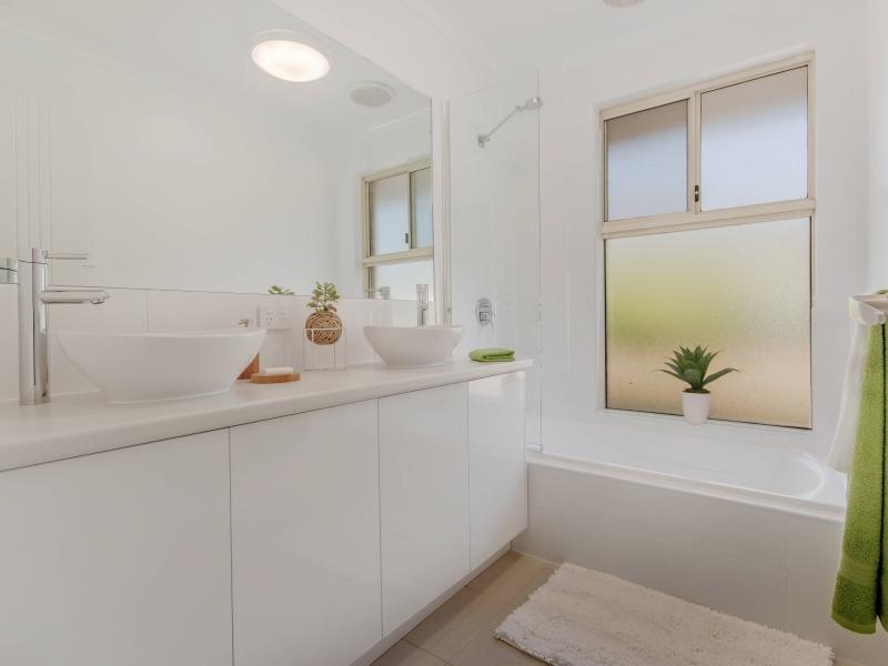 13 Bathroom compressed
