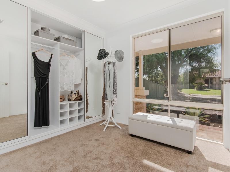 8 Dressing room